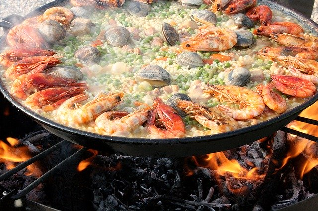 A Taste of Spain: Pinot and Paella Virtual Event
